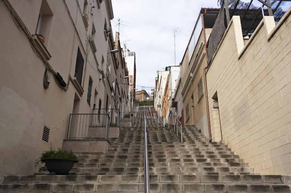 Climbing up to the Parc Güell