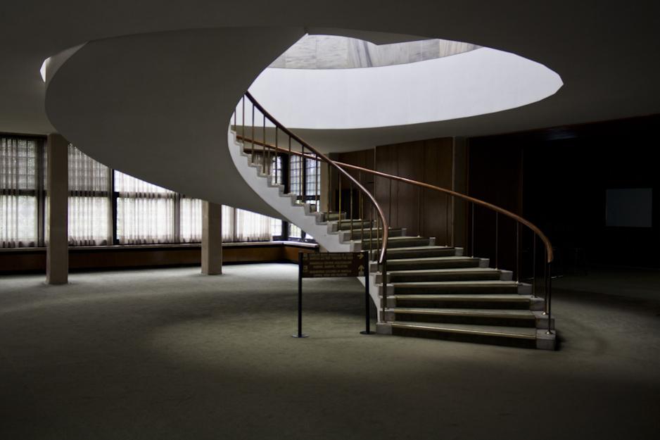 The upper floors are in a marvellous mid-century style. / Die Obergeschosse sind im großartig Jahrhundertmitte Art.